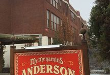 McMenamins Anderson School / Built in 1931 as Bothell Junior High, the art-deco style Anderson School & its surrounding buildings, located 20 minutes from downtown Seattle includes 72 guestrooms – all with private baths, televisions and free Wi-Fi; restaurants, small bars, a brewery, a movie theater, a swimming pool and event spaces. The 5 private event spaces will accommodate groups of 10 to 600 guests, complete with onsite catering and handcrafted McMenamins beverages.