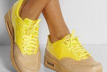 SHOES / Como amante de las zapatillas, no podian faltar imagenes de las zapatilas que deseo tener o simplemente me llaman la atención.