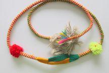 De slinger / De slinger is een wapen om een steen of slingerkogel mee te slingeren.Het slingeren vereist veel oefening