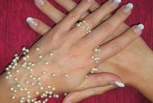 Nail ideas / Pink with diamonds
