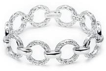 Jewelry....love the bling / by Heather Maczko
