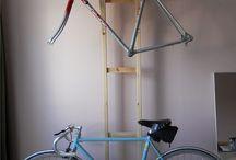 Sykkelstativ i garasjen