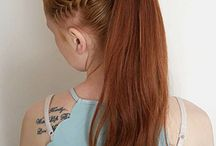 Lófarokba kötött haj