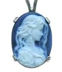 Cameo beauty / Feminine
