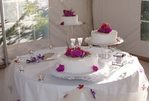 Wedding Cakes & Flowers / by Karen Lopes