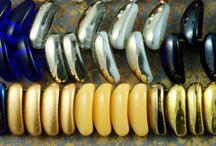 Chilli 2 Hole Preciosa Czech Glass Beads