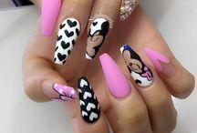 Unghii Stiletto Pink