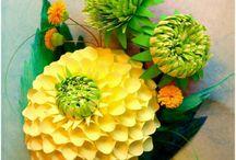 Paperi ja pahvi kukkia