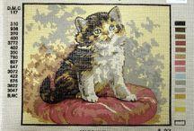 Cats, kittens - Chats, chatons / Adorable cats to needlepoint or cross-stitch - Chats adorables à faire au petit-point ou point-de croix