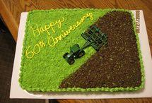 Birthday cakes / by Leann Hardie