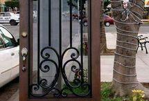 grades fjadas para porta e janelas