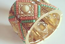 Bracelets - Bangles - Cuffs / Bracelets draw attention to the beauty of wrists and hands. Their gentle jingle is a constant reminder of a sparkling presence that turns even an everyday outing into a more festive occasion.
