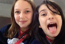 Mariana e verena / Amizade. Não somos melhores amigas, mas somos amigas que brincam, e se divertem.