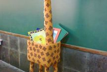 porta livros girafa