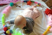 Baby Play | 5-8 months / Baby play ideas for healthy development and learning. Perfect for babies learning to roll, sit and crawl. Busy babies are learning babies!