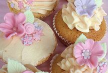 Cakes and Cupcakes / by Gabby Antignano