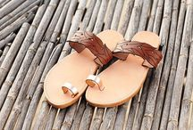 "Leather Handmade Sandals ""Anafi"" col. Platinum / Brown leaves"
