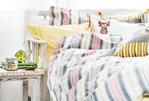 VERY BED_ / Camas con onda y mesas que cuentan historias para inspirar producciones de fotos