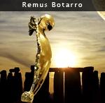 Remus Botarro / Sculpteur abstrait né en Roumaine en 1946, vit en Autriche, artiste de renommée internationale. Il fait ses études de Beaux-Arts, est diplômé du Ministère de la Jeunesse et des Sports de Roumanie. Ses premières œuvres datent de 1963. Qualifié de « phénomène dans l'art plastique »  dès 1983, présenté par la presse comme le successeur de Constantin Brancusi.  Ses grands modèles sont Auguste Rodin, Constantin Brancusi, Amedeo Modigliani, qui était  lui-même élève de Brancusi.