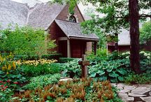 Wooded Wonderland / Landscaping for wooded lots creates opportunities for cool, lush planting beds filled with calm inducing colors.