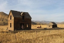 Barns and Cabins / by Crystal Carpenter