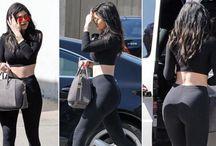 Kylie Jenner digosipkan hamil / Kabar mengejutkan menerpa adik Kendall Jenner yang merupakan gebetan pebalap FI Lewis Hamilton. Dara bernama Kylie Jenner yang baru berusia 17 tahun itu dikabarkan telah berbadan dua. Klik Detail: http://goo.gl/aOqxAg