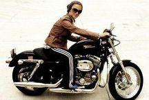 Harley Tutkunları / Harley tutkunlarının çektirdikleri fotoğraflar burada yer alıyor. Siz de albümümüzde yer almak istiyorsanız Harley-Davidson ile birlikte çekilmiş olan fotoğraflarınızı bizimle paylaşmayı unutmayın!