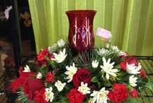 WYATT'S FLORIST CHRISTMAS FLOWER ARRANGEMENTS / CHRISTMAS FLOWER ARRANGEMENTS