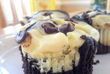 Cupcakes / by Lynn Haedtke Snitker