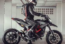 Ducati hypermotard, hyperstrada