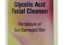 """Reviva Labs Glycolic Acid Skin Care / Reviva Labs glycolic creams are different. Instead of individual glycolic acid molecules found in other brands (which can """"hit or miss"""" its target) our glycolics are high potency polymers... molecules linked into """"strands"""" , similar to skin's own structure. The glycolic strands interact with skin's strand structure for better absorption... and thus are better able to improve skin texture and fight sun damage."""