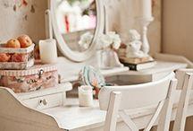 Romantische meubeltjes en interieur