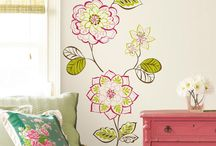 Dorm Room Decorating Ideas / Dorm rooms don't have to be depressing! Make your space shine with your style.