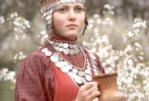 Viselet - csuvas / The Chuvash people are a Turkic ethnic group, native to an area stretching from the Volga Region to Siberia. Most of them live in Republic of Chuvashia and surrounding areas, although Chuvash communities may be found throughout the Russian Federation.
