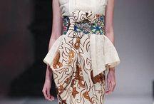 Kutubaru & Kebaya Inspiration / Kebaya modern atau kebaya modifikasi dan contoh-contoh pakaian dress untuk braidsmaid. Semoga menginpsirasi  Follow IG aku yaa  @dysknv