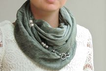 Jewelry Scarves, Foulards and head scarves by Chiardiluna Milano / Elegant and fashionable jewelry scarves for women in Made in Italy fabric, embellished with accessories and crystals. A simple snap-hook lets the scarf be worn in many different ways.