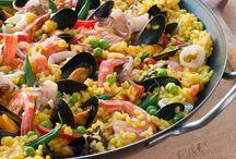 Domeniche gastropub: Domenica 28 Aprile PAELLA alla Valenciana / Continuano le Domeniche gastronomiche del Fuori Orario all'insegna della convivialità e della cucina internazionale. 4 cene da non mancare, 4 appuntamenti con i deliziosi piatti preparati dalla nostra Anna.
