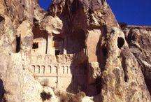 Monasteri e Eremi / Luoghi spesso disabitati o abbandonati, dove regna il silenzio
