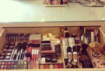 organizing cosmetics