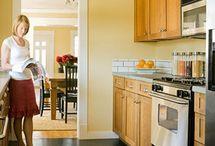 Küche Möbel - Küchen - Kücheninsel / Küche neugestalten – Brauchen Sie Tipps und Einrichtungsideen? Sehen Sie sich die Trends für Ihre Kücheneinrichtung an – Möbel, Arbeitsplatten, Küchengeräte Kitchen Remodeling IDEAS