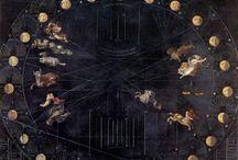 Carmina Burana / i Carmina Burana debuttarono l'8 giugno 1937 all'Opera di Stato di Francoforte. La prima in Italia si tenne il 10 ottobre 1942 al Teatro alla Scala. I Carmina Burana divennero il primo pannello di un trittico musicale, I Trionfi, che comprendeva i Catulli Carmina e il Trionfo di Afrodite. Il Regio proporrà I Carmina Burana proprio in versione scenica, secondo l'iniziale desiderio del compositore. Lo spettacolo è firmato da Mietta Corli.