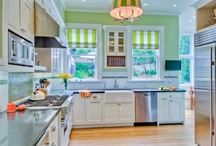 Kitchens / by Danielly Lara {Un dulce hogar}