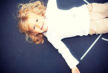 Családi és gyermek fotózás / A családi fotózás kül és beltéren egyaránt. Mi tudjuk, hogy a leghangulatosabb képei akkor születnek, ha nem feszélyezzük a gyermeket fotózáskor, nem erőltetjük rájuk a különféle beállításokat, pózokat.  http://zoomstudio.hu/csaladi-fotozas-gyermekfotozas/