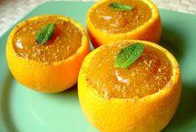 ¿Y de postre? ¡Naranjas rellenas! / ¿Recibes invitados en casa y no sabes qué hacerles de postre? Aquí te mostramos la receta de Naranjas rellenas, deliciosa y completa. http://blog.naranjasdemihuerta.com/naranjas-rellena-postre/