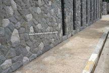 หินธรรมชาติ หินภูเขา สีเทาขาว ติดตั้งผนังกำแพงรั้วหน้าบ้านตลอดเเนว / หินธรรมชาติ หินภูเขา สีเทาขาว ติดตั้งผนังกำแพงรั้วหน้าบ้านตลอดเเนว www.thaistoneshop.com