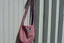 """Sacs / Créations de l'atelier du petit oiseau. Inspirés des """"koïnoboris"""", les banderoles japonaises en forme de carpes."""