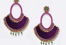 Compl. de flamenca morado / Pendientes, peinas, collares y pulseras de flamenca en color morado. Visita nuestra tienda para encontrar esta selección de complementos de flamenco.