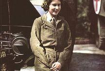 Uniformy :-) / Uniformy WW2 a WW1 pro ženy