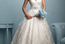 Wedding inspiration / This board tries to help the brides with the wedding dress, decoration, makeup, hairstyle, etc.