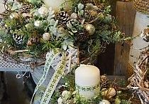 Xmas tables -white and gold